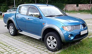 300px-Mitsubishi_L200_front_20080722